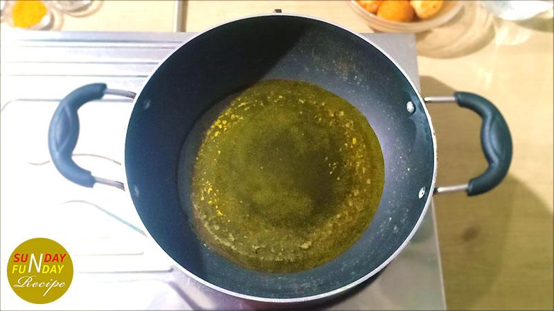 egg curry banane ka tarika 10