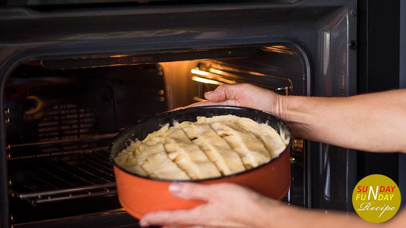 prepare oven to bake the apple pie recipe 4